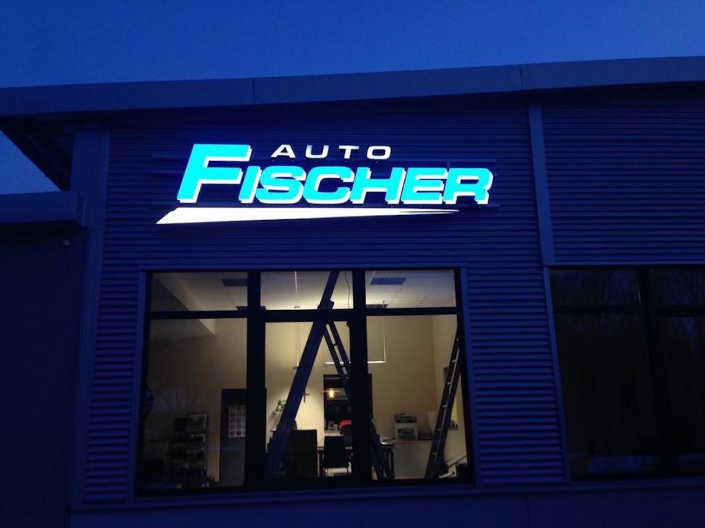 LED Schriftzug Leuchtreklame Auto Fischer Kopie