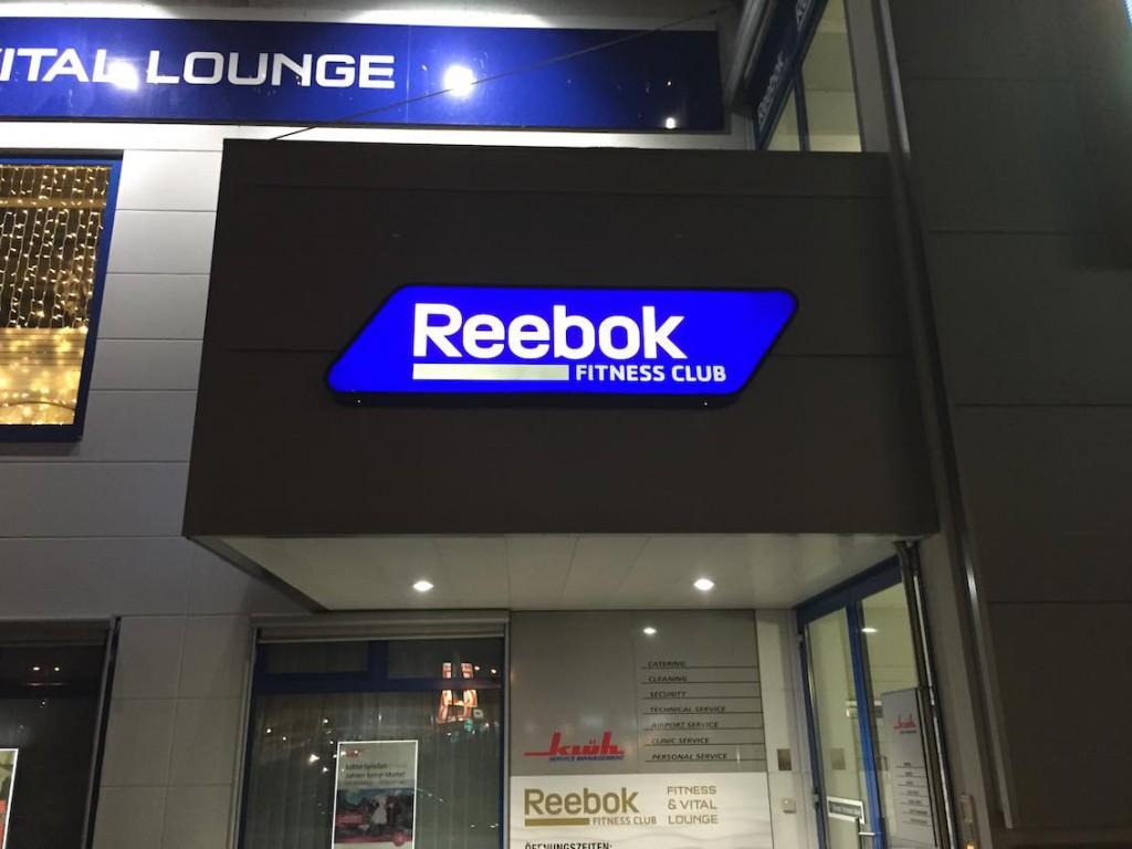 Leuchtkasten in Profil 4 Reebok Fitness Cham