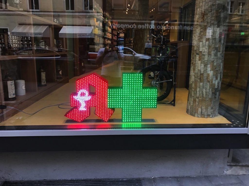Pixel LED Apotheken Werbung Kopie
