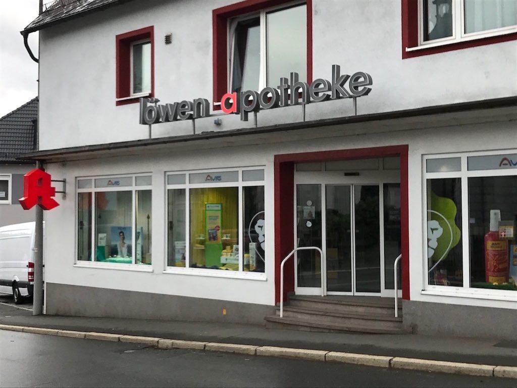 Referenz Löwen Apotheke LED Leuchtschrift in Profil 8