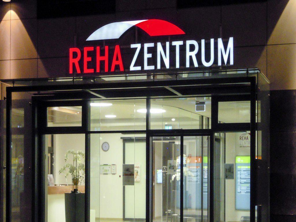 LED Leuchtbuchstaben Leuchtreklame REHA ZENTRUM