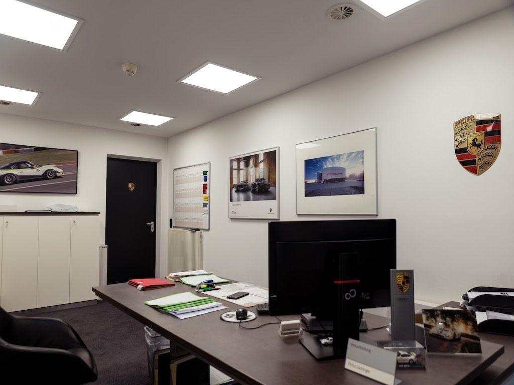 LED Umrüstung PZ Büro Leuchtreklame
