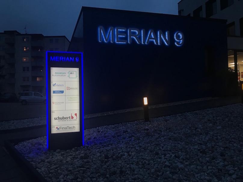 Werbepylon dekupiert und mit Plexiglas hinterlegt 3seitige LED kontur,Led Schrift als Schattenschrift in Profil 3 Kopie