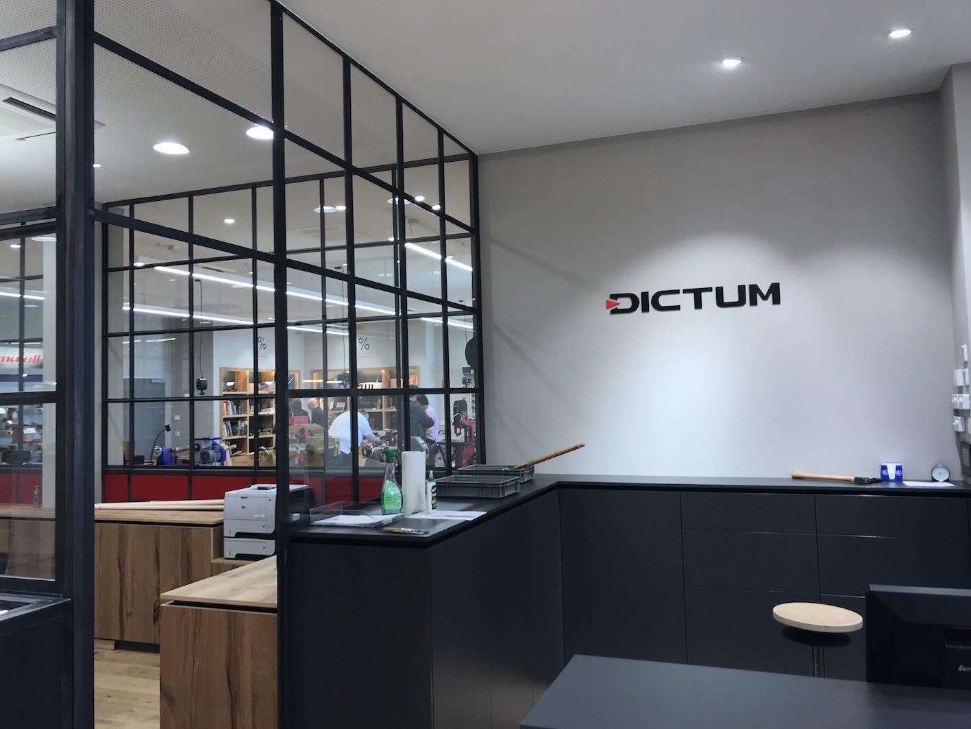 Dictum Shop Plattling Einzelbuchstaben Innenraum 2