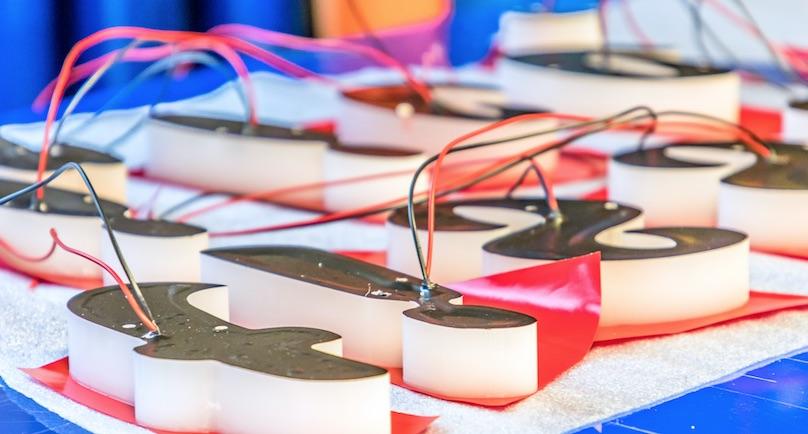 Herstellung Leuchtbuchstaben