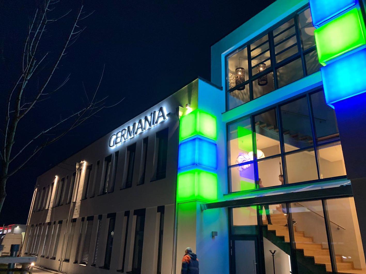 Leuchtreklame Steuerberater mit LED Würfel