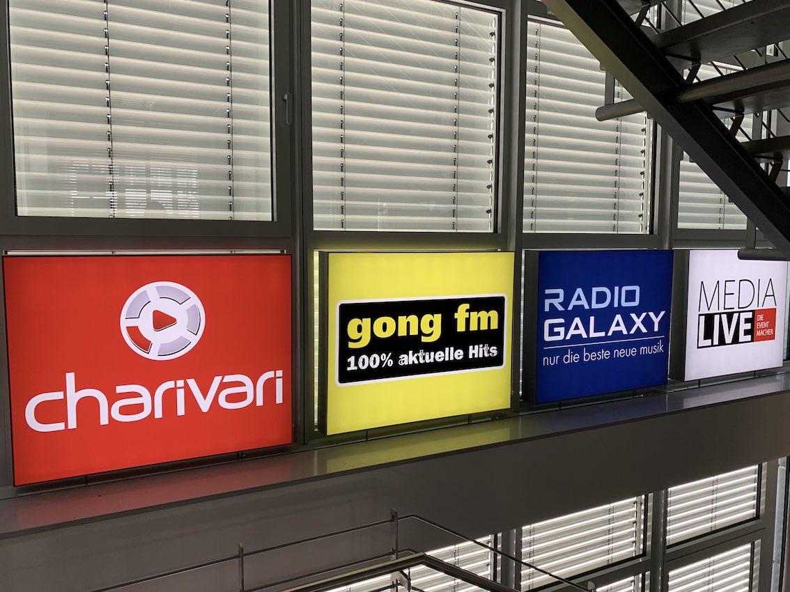 Vier Spanntuchtransparente in Regensburg