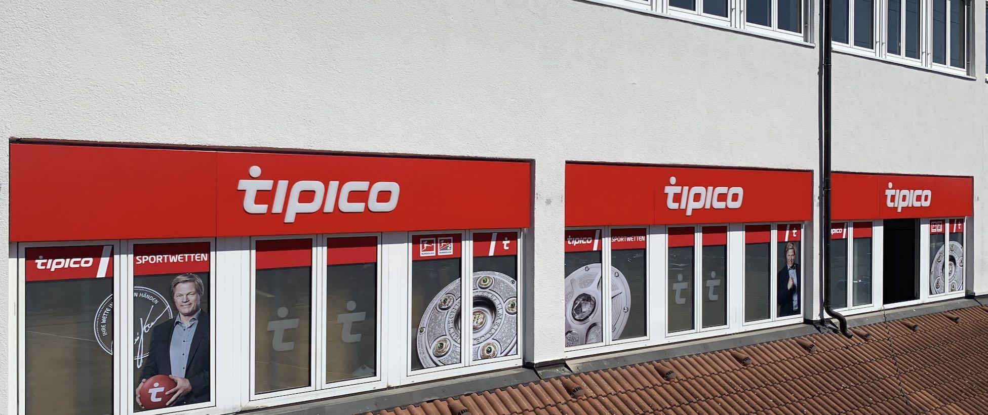 TIPICO Leuchtreklame